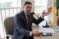 Ivanilson leva ao plenário a discussão sobre a construção da sede própria da Câmara